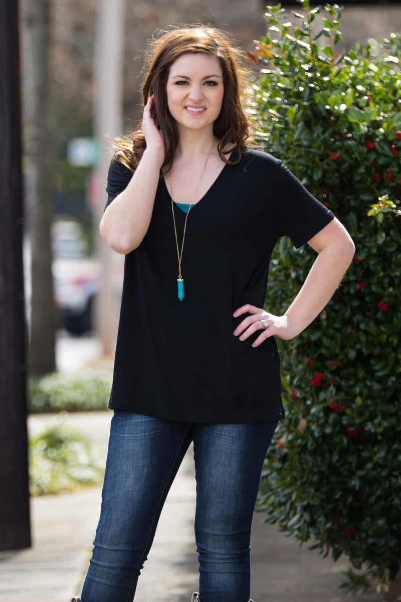 Short Sleeve V-Neck Piko Tee-Black