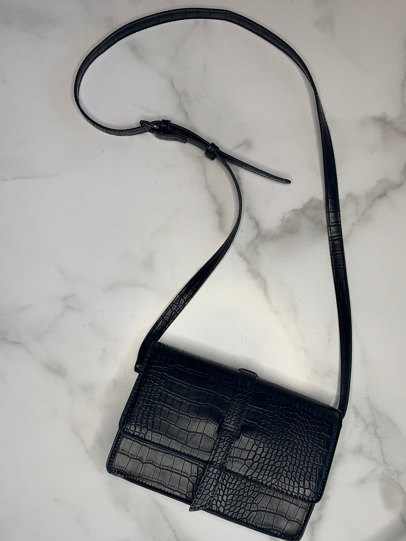 Black Croco Structures Purse With Belt Accent