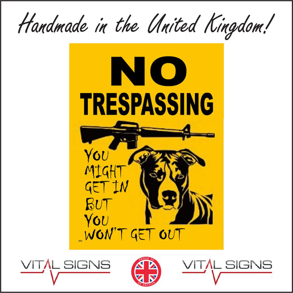 SE029 No Trespassing Sign with Dog Gun
