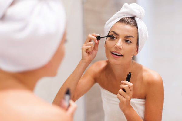 MASCARA E MASCHERINA: come evitare sbavature di makeup