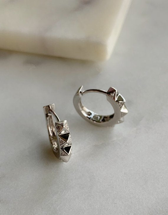PYRAMID HOOP EARRINGS - SILVER