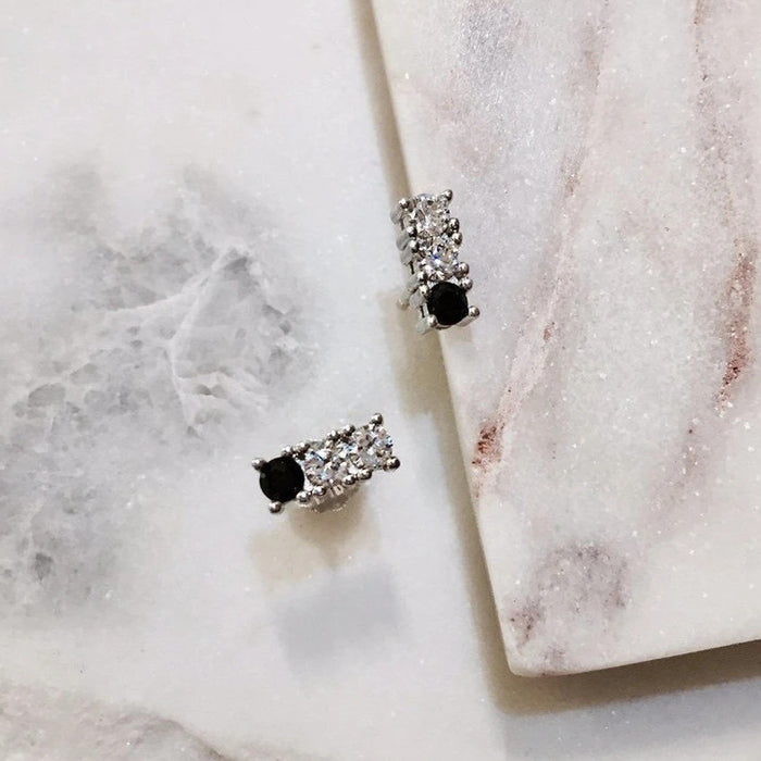 BAR STUD EARRINGS - WHITE GOLD - Fala Jewelry
