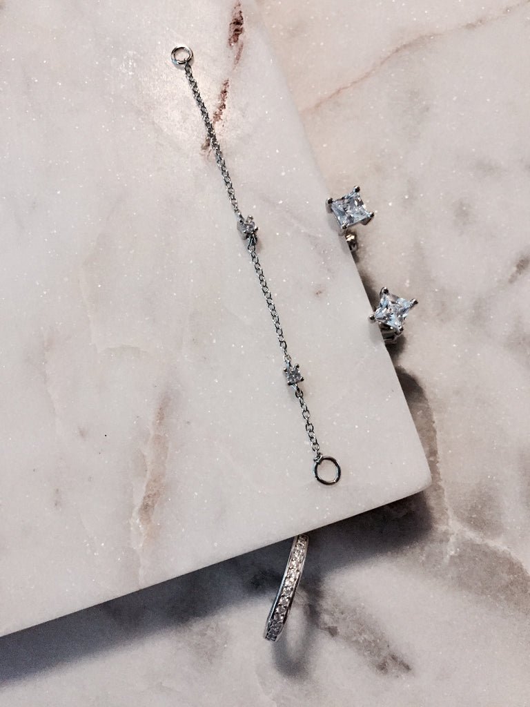 EAR CUFF CHAIN EARRINGS - WHITE GOLD - Fala Jewelry