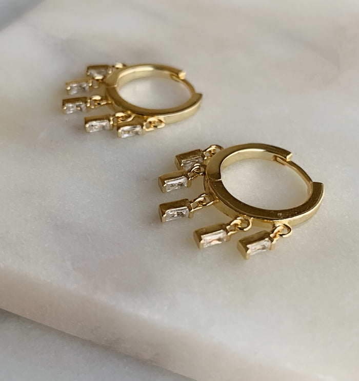 CHARM HOOP EARRINGS - GOLD