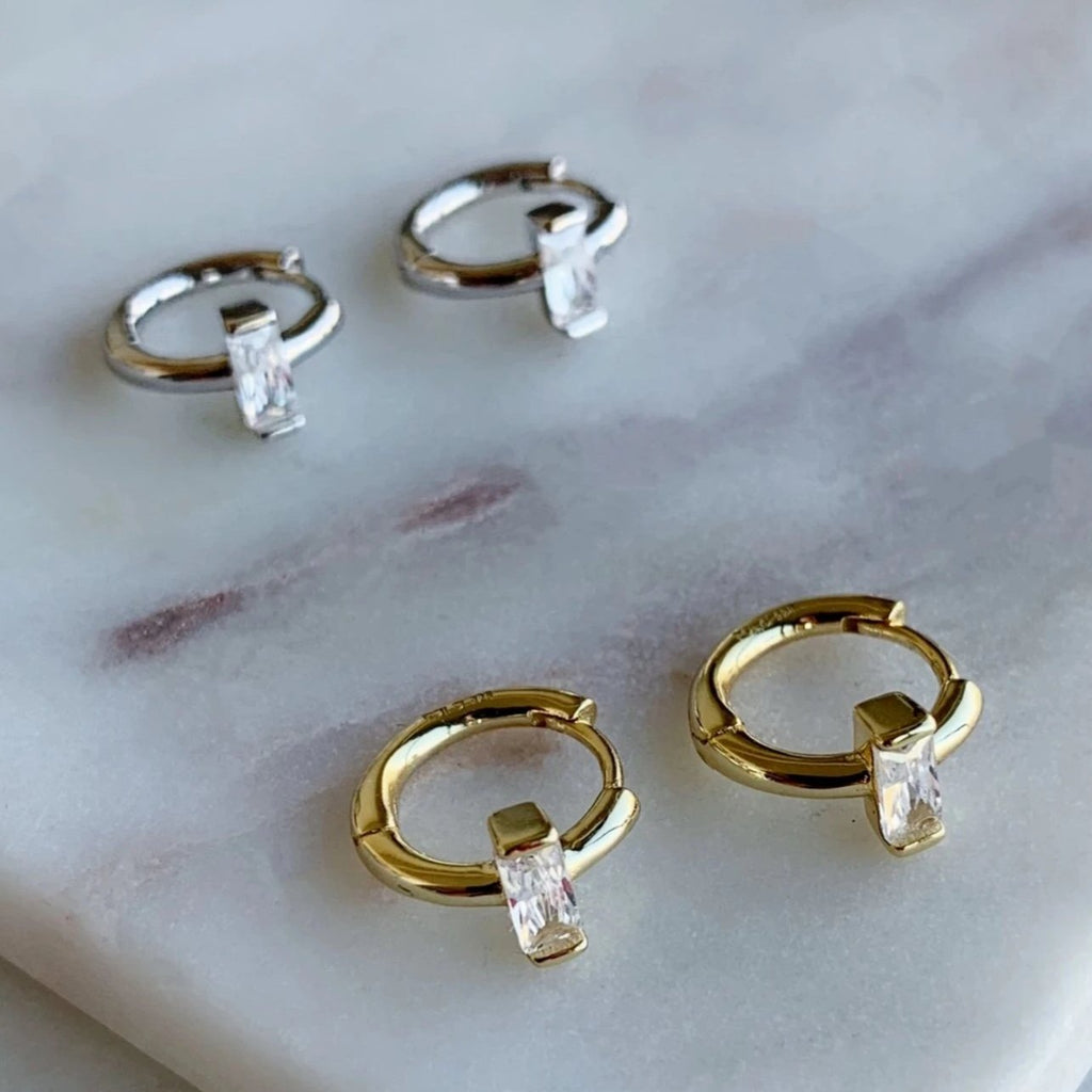 SMALL HOOP EARRINGS - SILVER