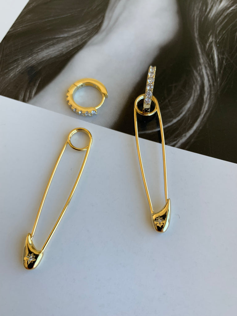 SAFETY PIN HOOP EARRINGS - GOLD