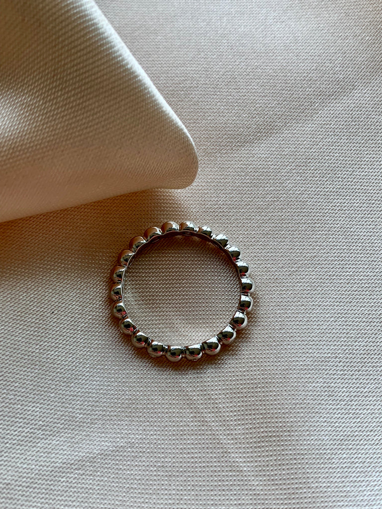 Dot Dainty Ring - Silver