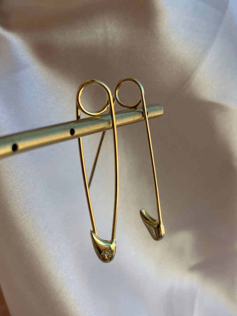 SAFETY PIN EARRINGS - GOLD