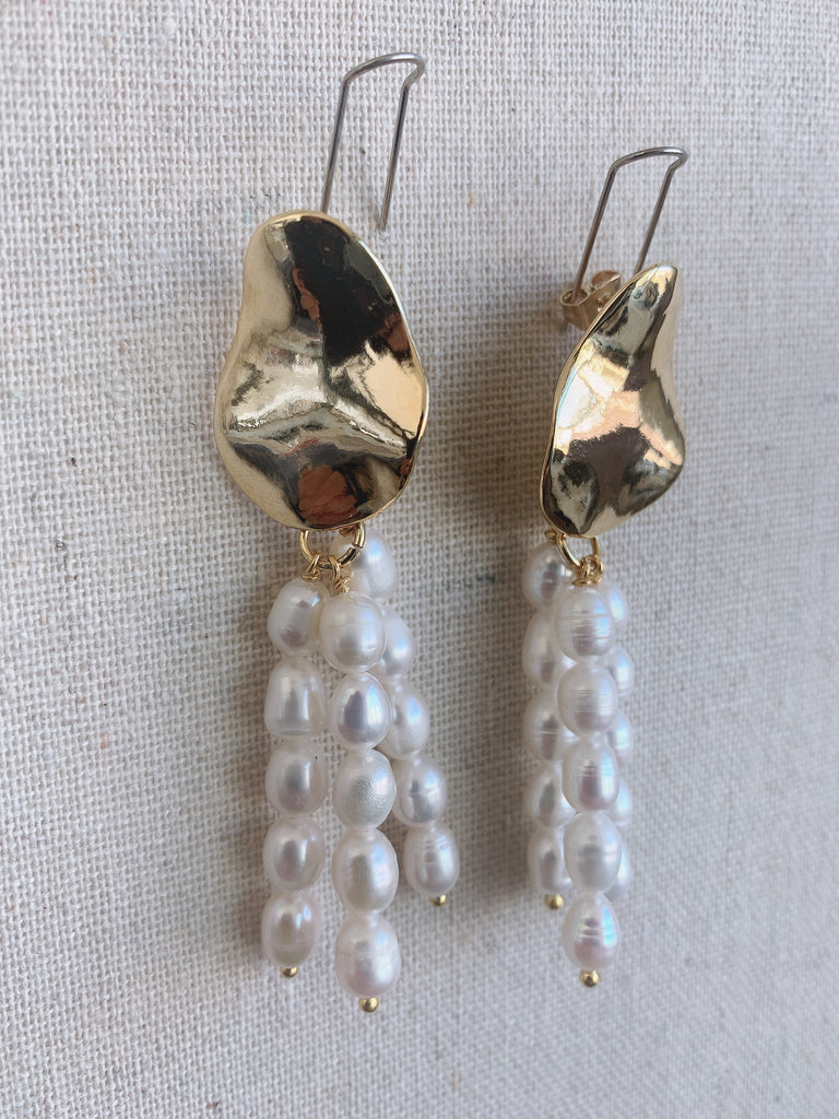 Pearl Dangle Earring - Gold