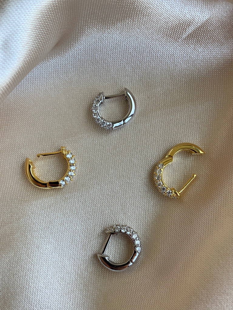 SMALL HOOP EARRINGS - GOLD