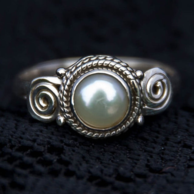 spiral design 100% sterling silver ring, white pearl