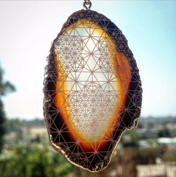 Tertrahedron Grid Engraved Agate Geode Crystal