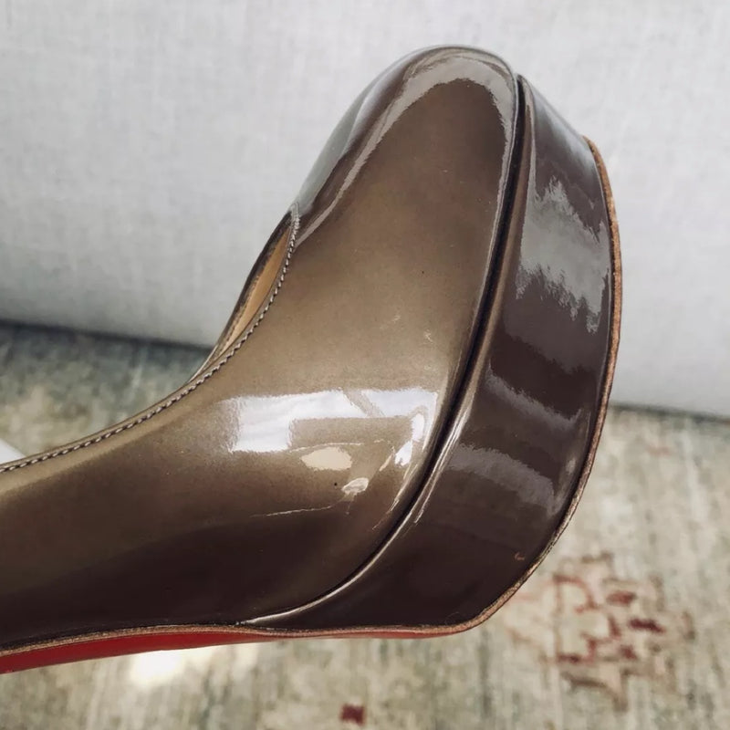 Christian Louboutin Bianca Platform Pump Patent Leather Bronze / Gold