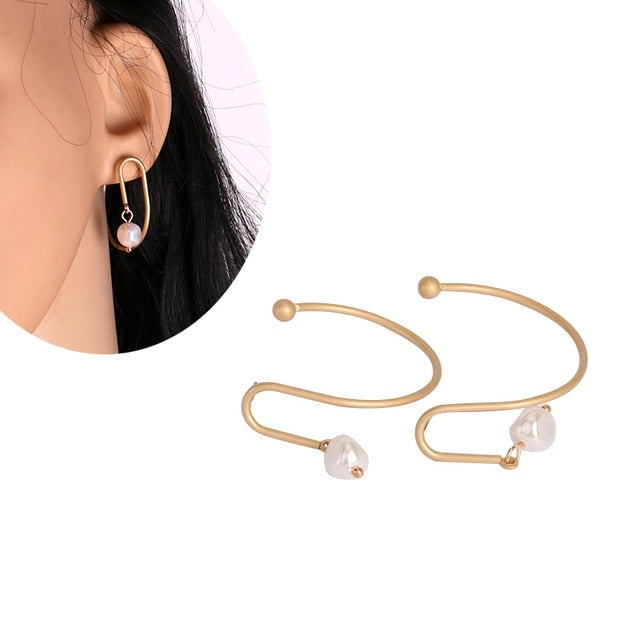Swirld Pearl Drop Earring