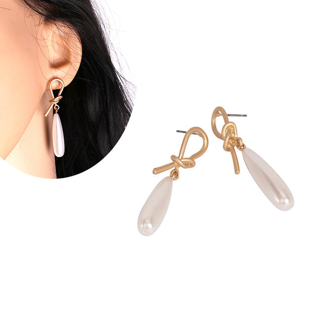 Knotted Pearl Drop Earring