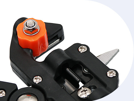 Multifunctional grafting scissors