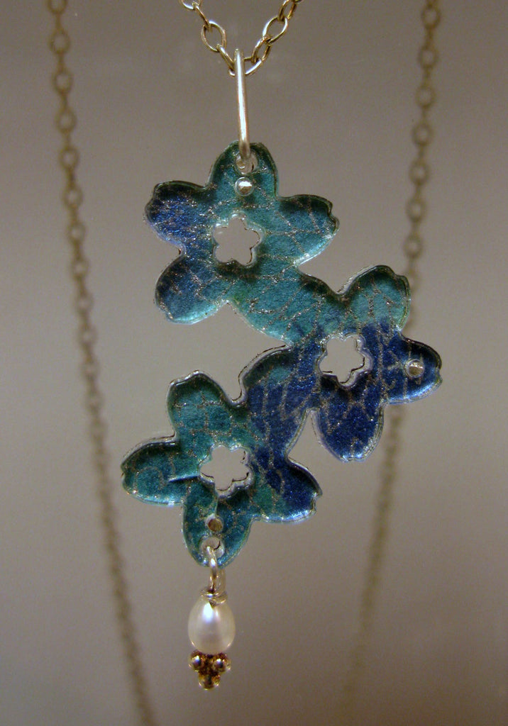 Small Triple Flower Design Reversible Necklace
