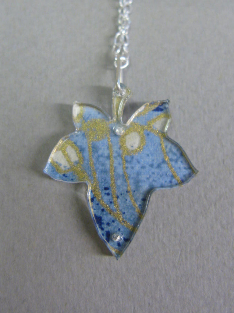Ivy Leaf Design Reversible Necklace
