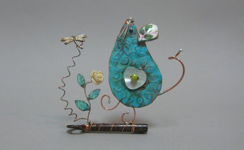 Small Gazing Mouse on Key Assemblage by Linda Lovatt