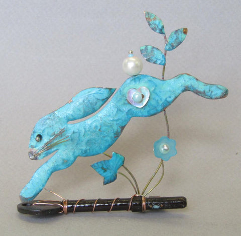 Small Leaping Hare on a Key Assemblage