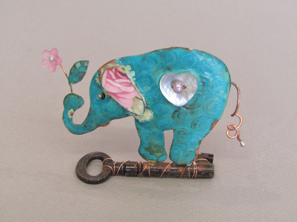 Small Elephant on a Key - Linda Lovatt