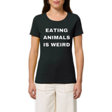 tshirt végétarien eating animals is weird slogan noir avec mannequin