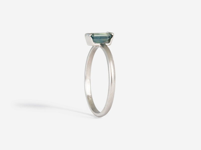 Shaesby White Gold and Blue Sapphire Ring