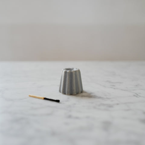 CANNELE PORCELAIN CANDLE HOLDER - MATTE GREY