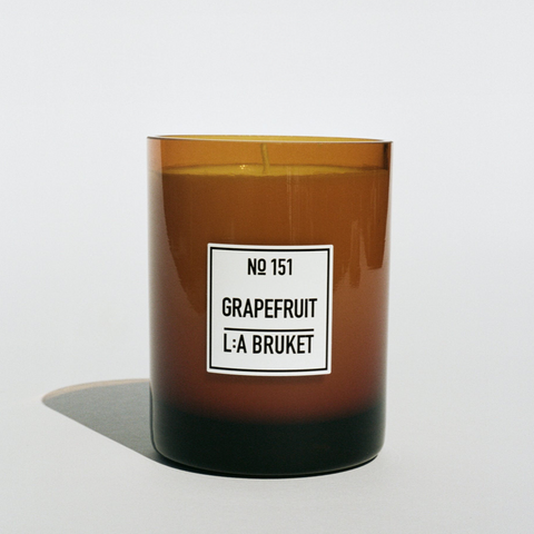 L:A BRUKET SCENTED CANDLE - NO.151 GRAPEFRUIT