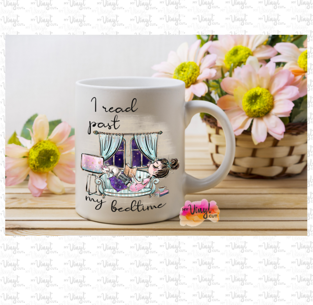 Mug 15 oz White with design I read past my bedtime