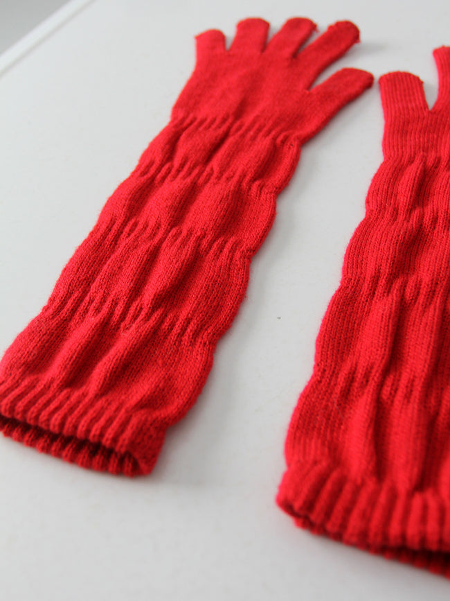 vintage red knit gloves