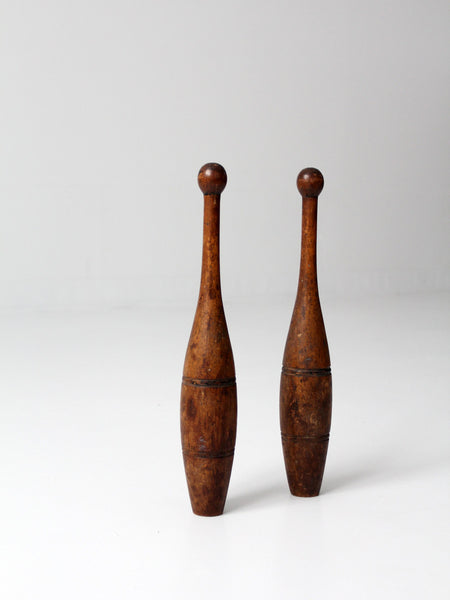 antique juggling clubs