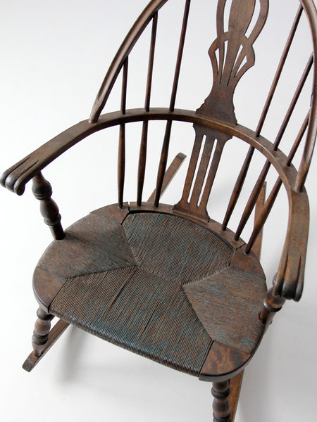 ... antique windsor rocking chair with rush seat ... - Antique Windsor Rocking Chair With Rush Seat – 86 Vintage
