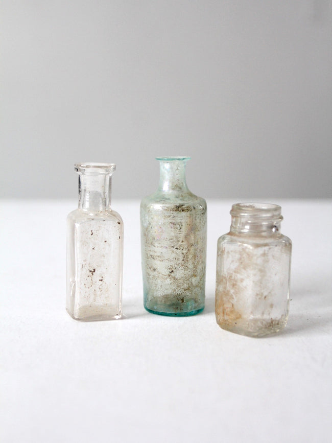 antique apothecary bottles set/3