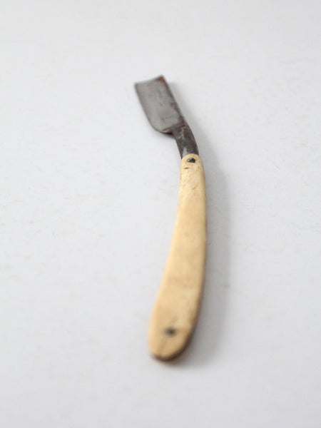 antique 22 Martin straight razor