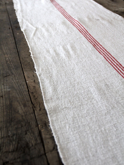 antique homespun table runner