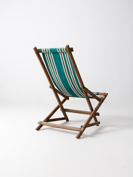 HOLD:  vintage American deck chair