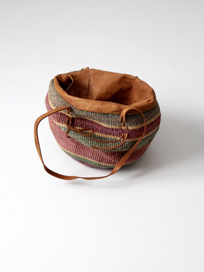 vintage sisal shoulder bag with leather closure