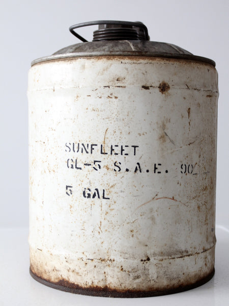 vintage Sunfleet 5 gallon motor oil can