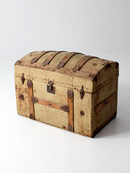 Victorian barrel top trunk