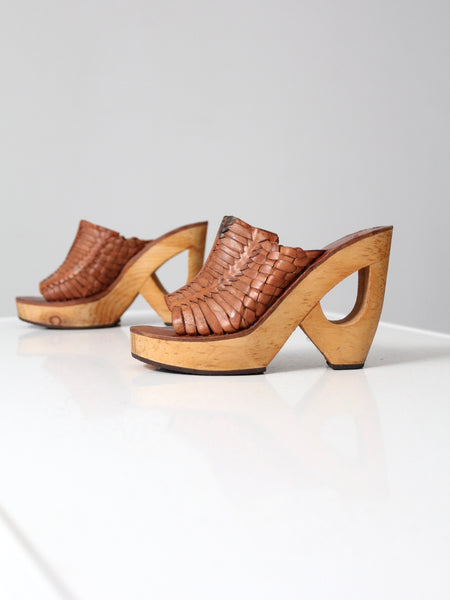 vintage Shoes n Stuff by Frank Sbicca woven platform mules, size 8