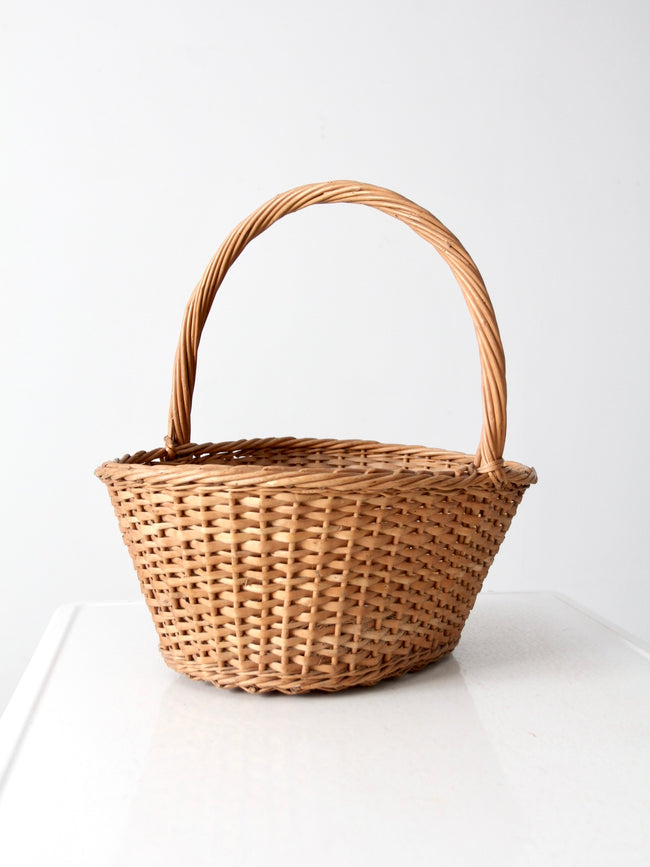 vintage handle basket