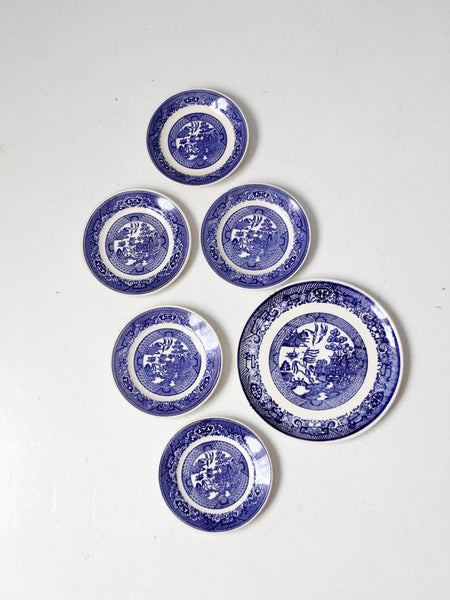 vintage Blue Willow plate collection 6pc