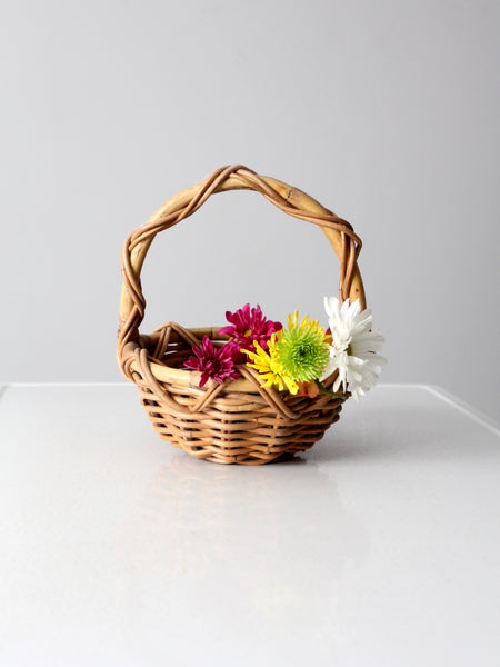 vintage ruffled flower basket