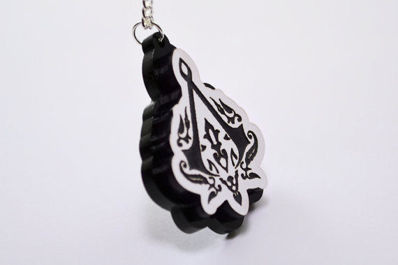 Assassin's Creed Revelations Ottoman Crest Necklace - Laser Engraved Gaming Gear