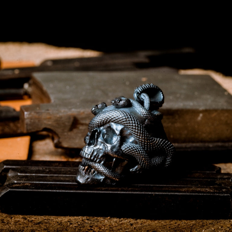 Skull with Vipers (Silver)