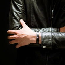 Load image into Gallery viewer, Leather bracelet (Black)