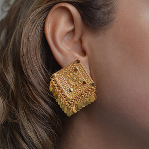 Square earrings by Narinari