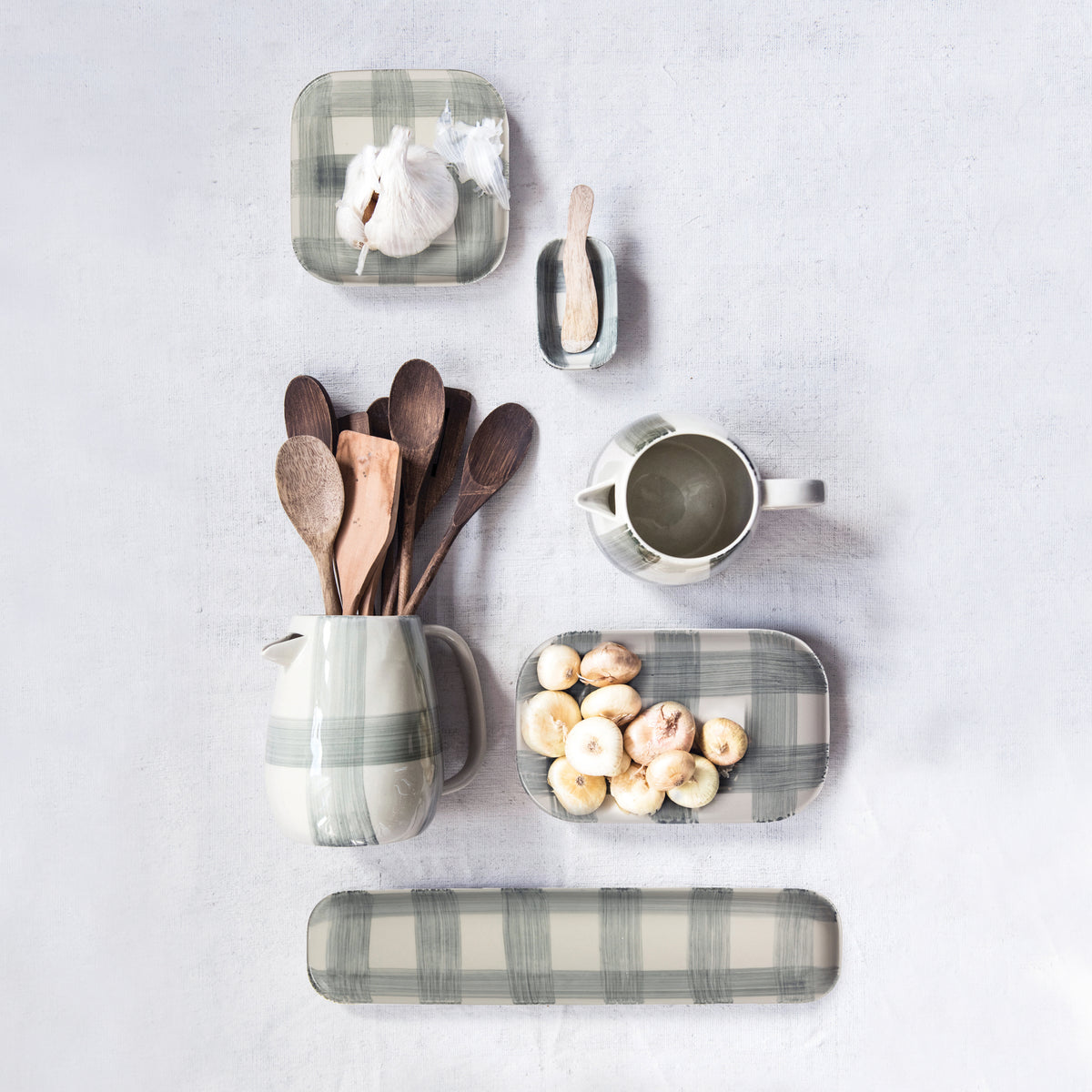 Long Buffalo Check Stoneware Platter Set