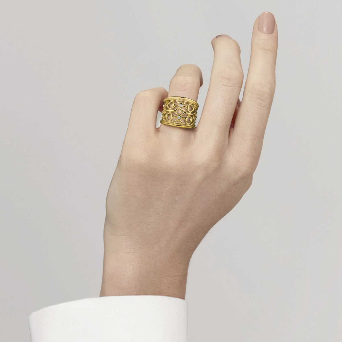 Vienna Wide Band Ring with Diamonds in 18K